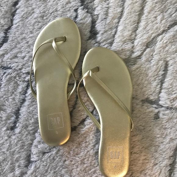 40e89cf3b917 GAP Shoes - Gap flip flops - Gold